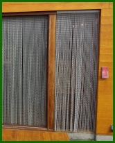 curtain-butn-02-chain